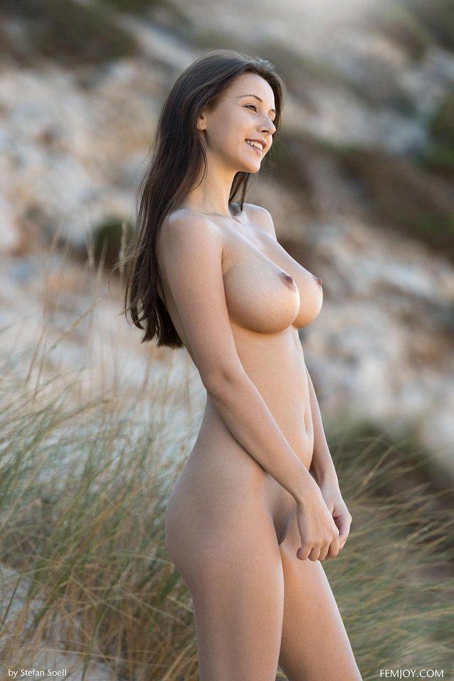 Jolie masseuse russe Saint-Jean-Cap-Ferrat ☑️ Liliana, 26 ans